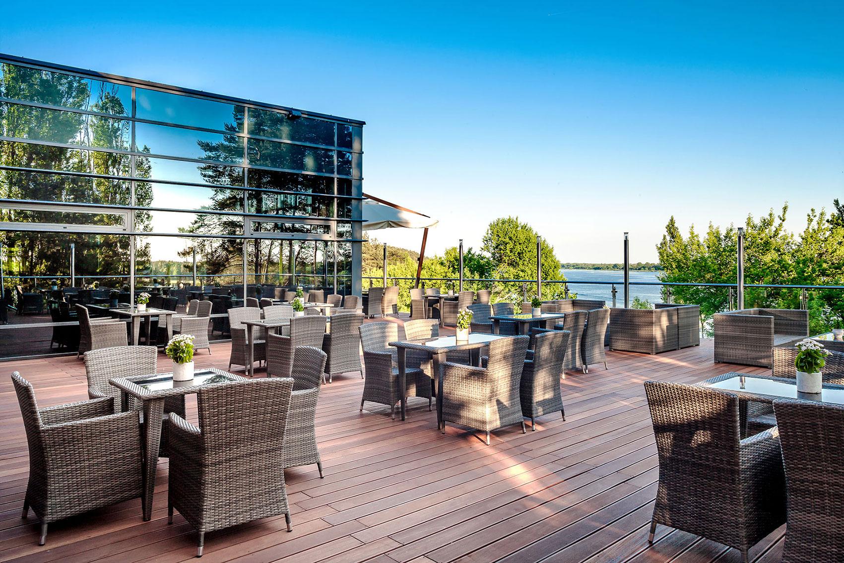 Home Restauracja Yacht Club